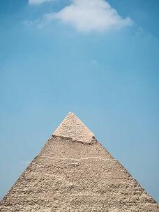 Grabmal-Pyramide.jpg