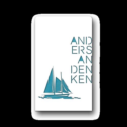 Grabmal Segelboot Azur in Farbe