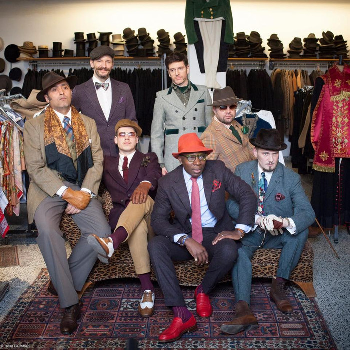 On the street:  Brussels We are Dandy
