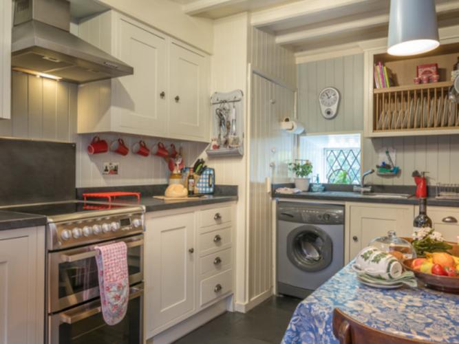kitchen in llys derwin