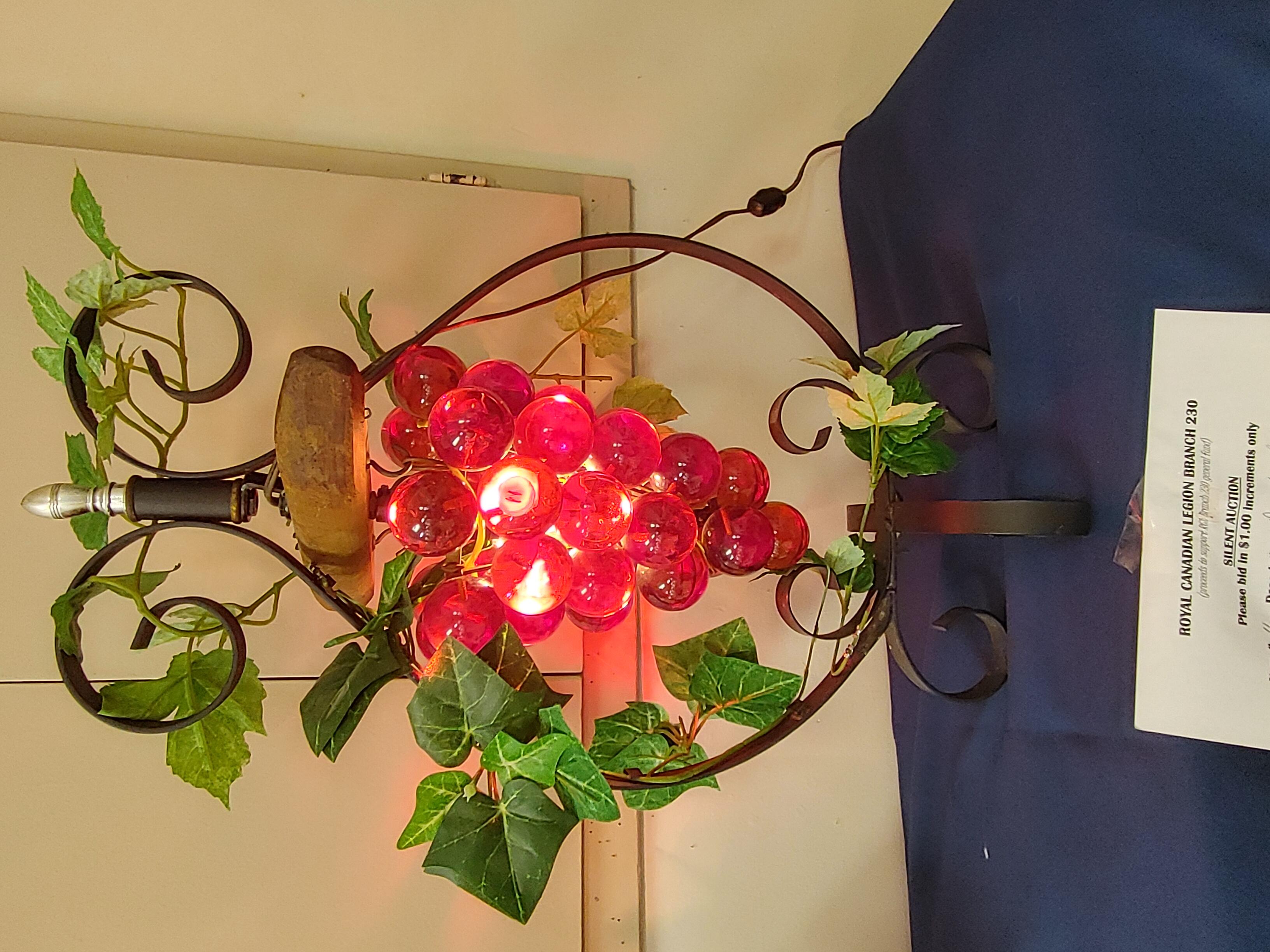 #11 Grape & Vine Standing light