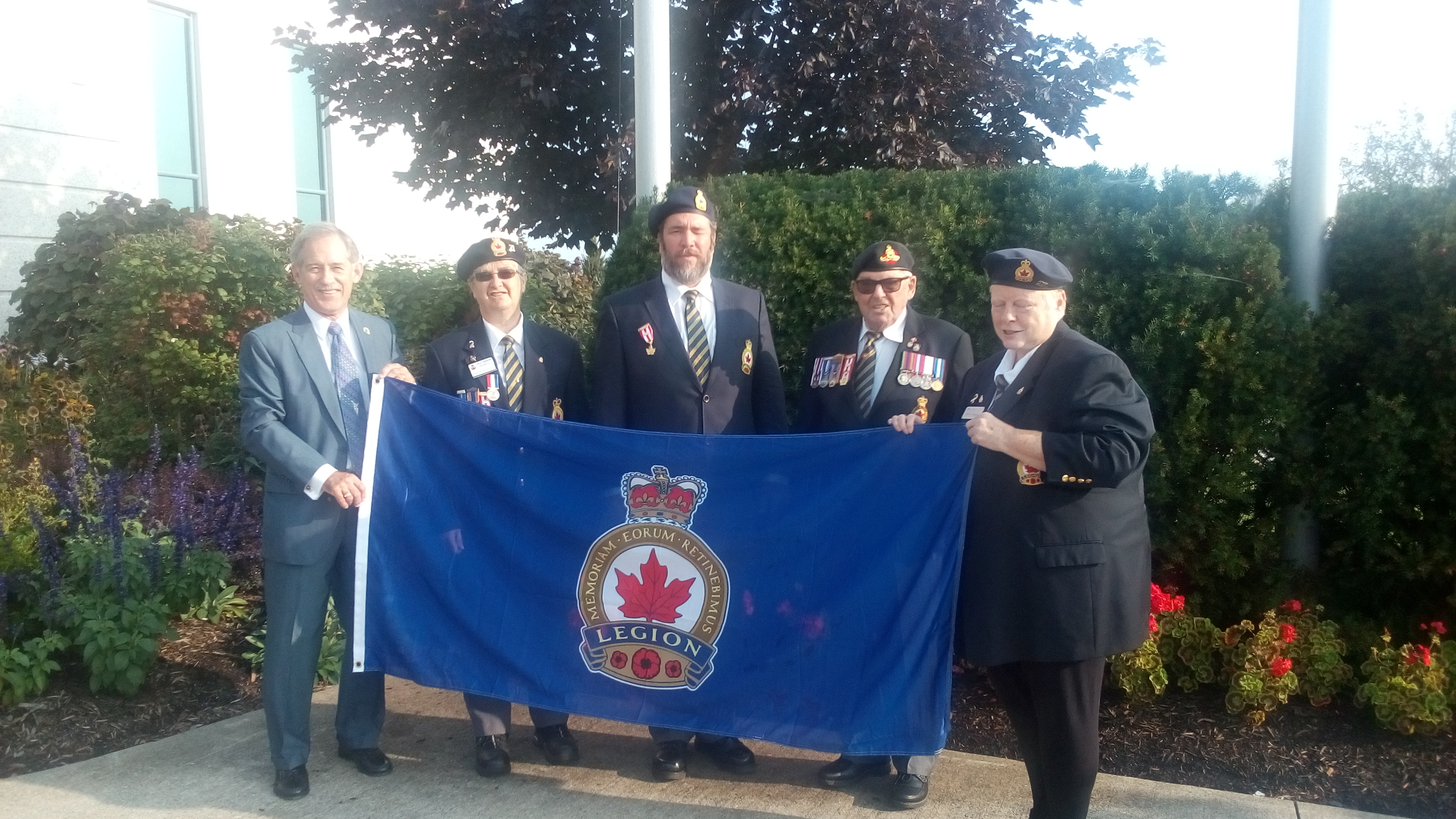 RCL Br 230 Flag at FE Town Hall