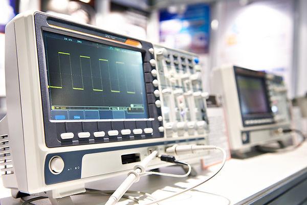Oscilloscope spectrum analyzer in store