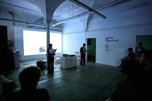 Performance - Việt Lê  'White Gaze' .