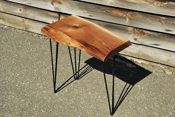 Table d'appoint - Noyer Noir live edge et métal