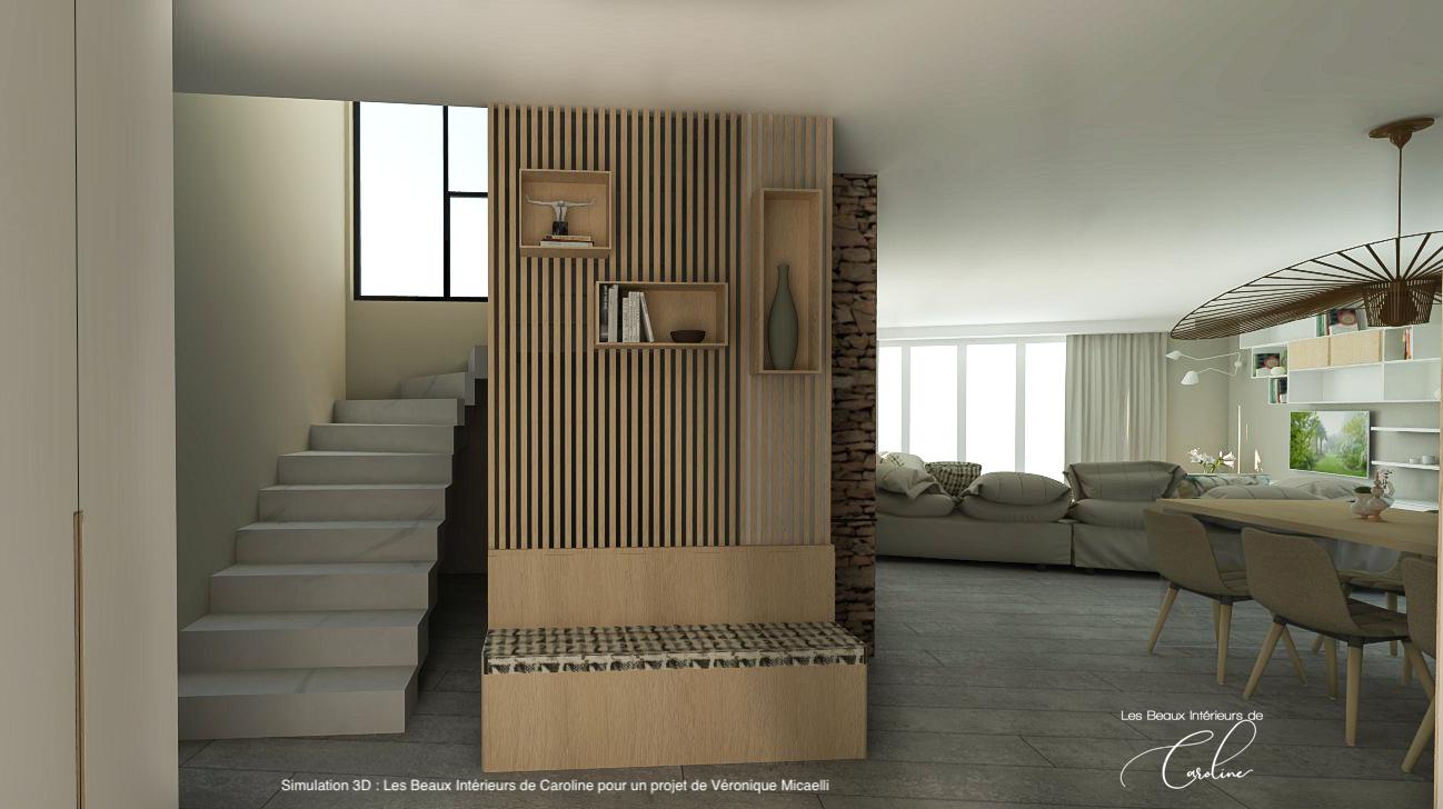 L'entrée de la maison avec son grand placard sur mesure à gauche et son banc avec claustra en bois