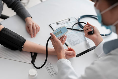 doctor-checking-medical-condition-patien