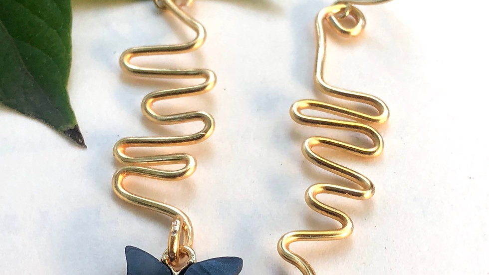 Fluttering • Earring collection