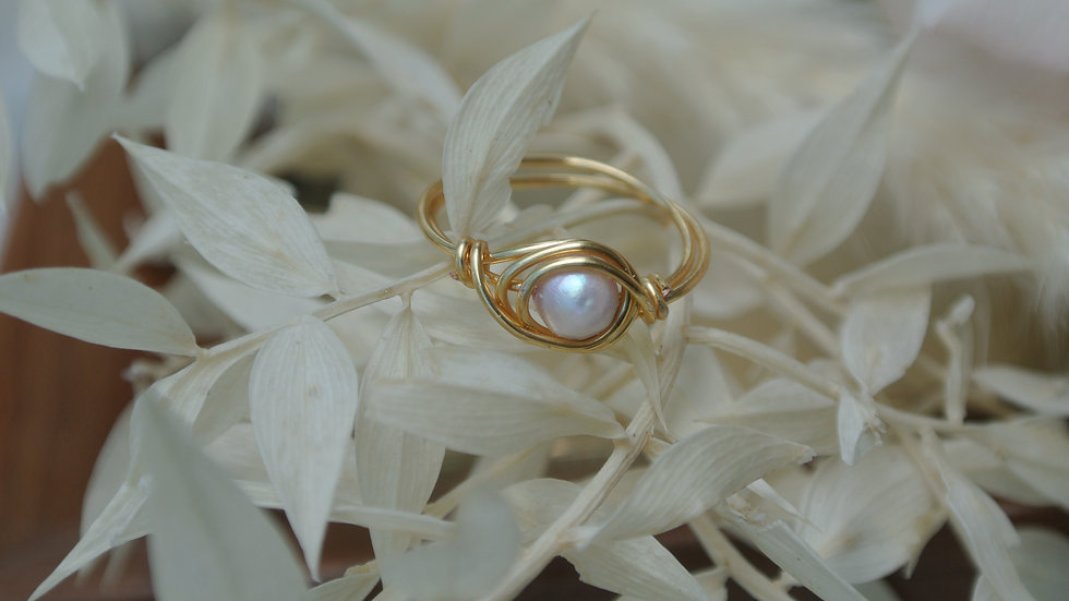 Pearly  ring ~ Request size with purchase