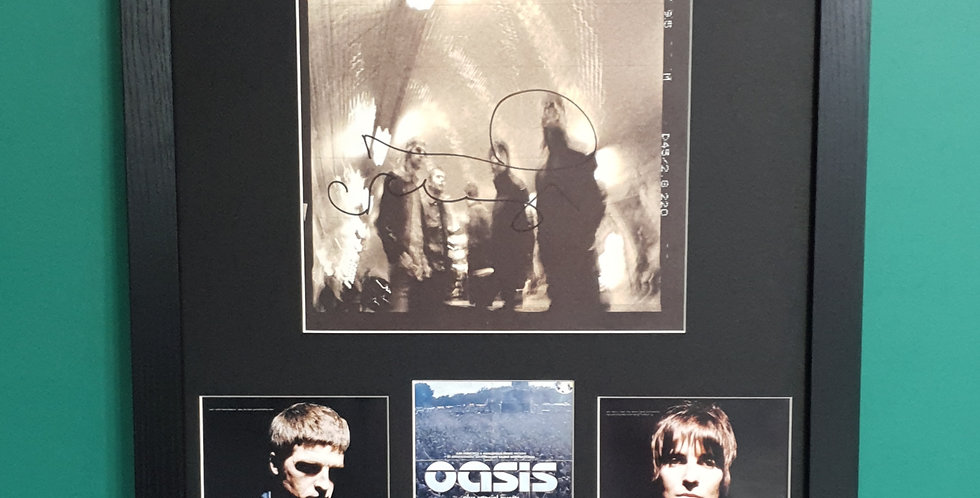 Oasis Noel Gallagher Signed 2002 Tour Programme display