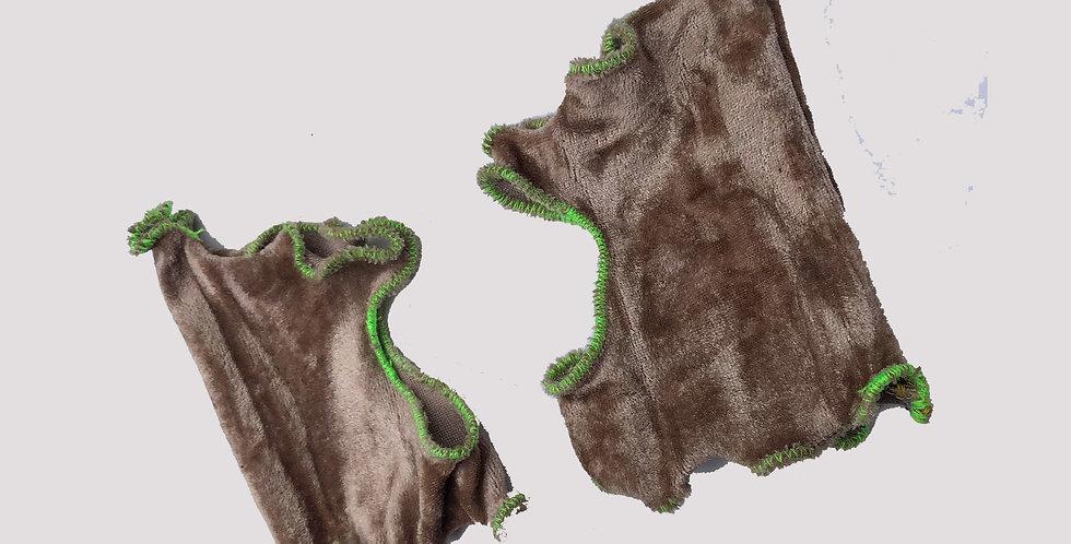 beige + green cuffs