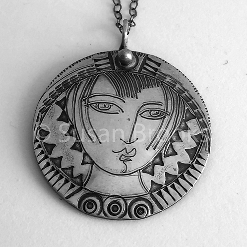 Sterling silver face pendant 617