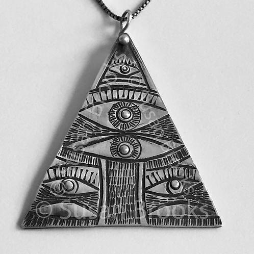 Triangular eye silver pendant 616
