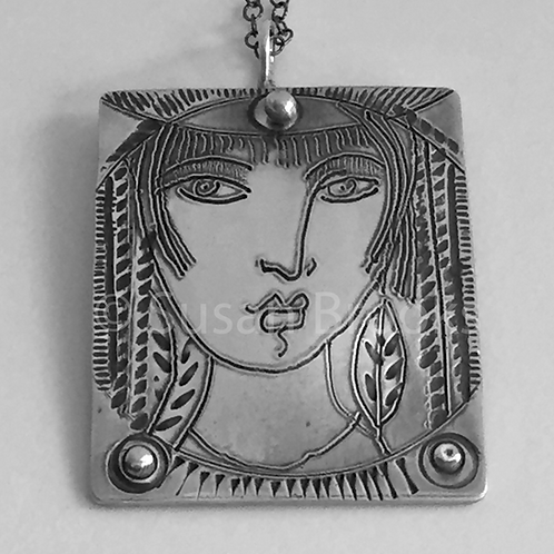 Sterling silver face pendant 611