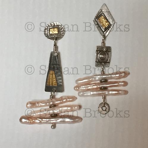 Asymmetrical earrings: silver, gold, pearls 599