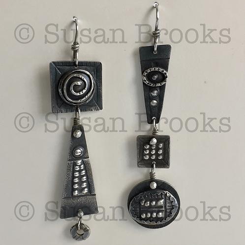 Asymmetrical earrings: silver 602