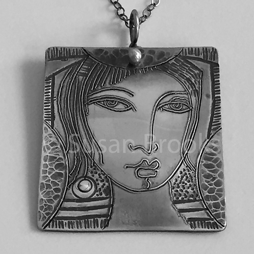 Sterling silver face pendant 512