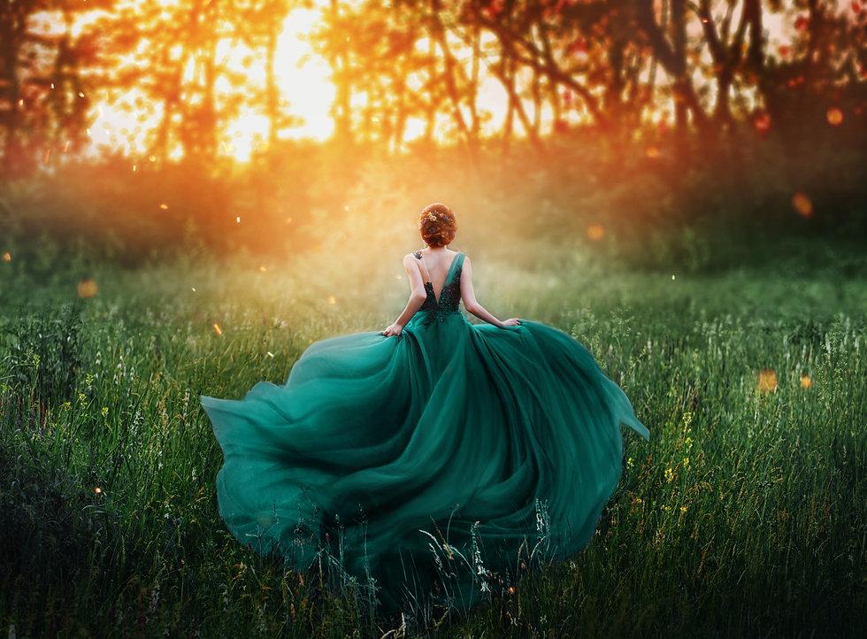 young beauty woman queen red hair runs d