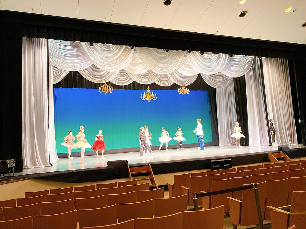 バレエ発表会のリハーサル