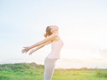 Come combattere il caldo con lo Yoga