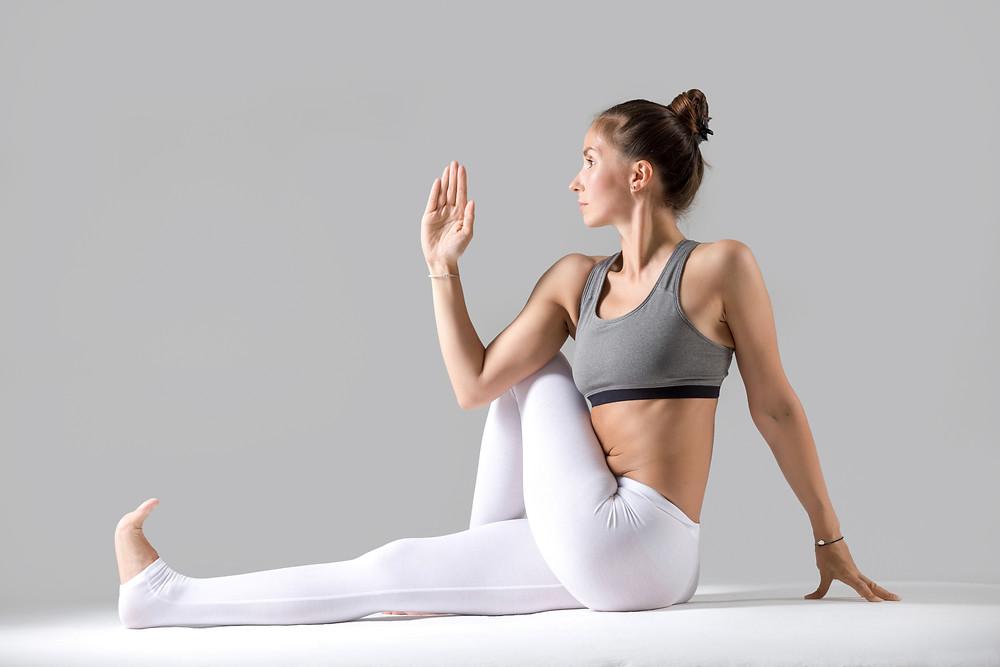 posizioni yoga contro il mal di schiena