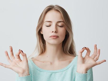 Mudra, lo yoga delle mani: le posizioni per ricaricarti di energia