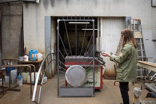 Monika Sosnowska, Atelier Calder, Work in progress Saché - Photo Guillaume