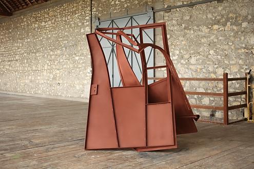 Monika Sosnowska, Atelier Calder, Work in progress Saché - Photo Guillaume Blanc
