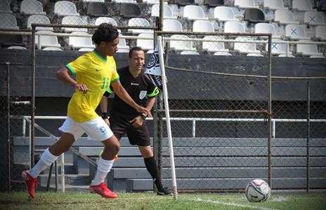 Com assistência e camisa 10, Luiz Henrique destaca passagem pela Seleção sub-17
