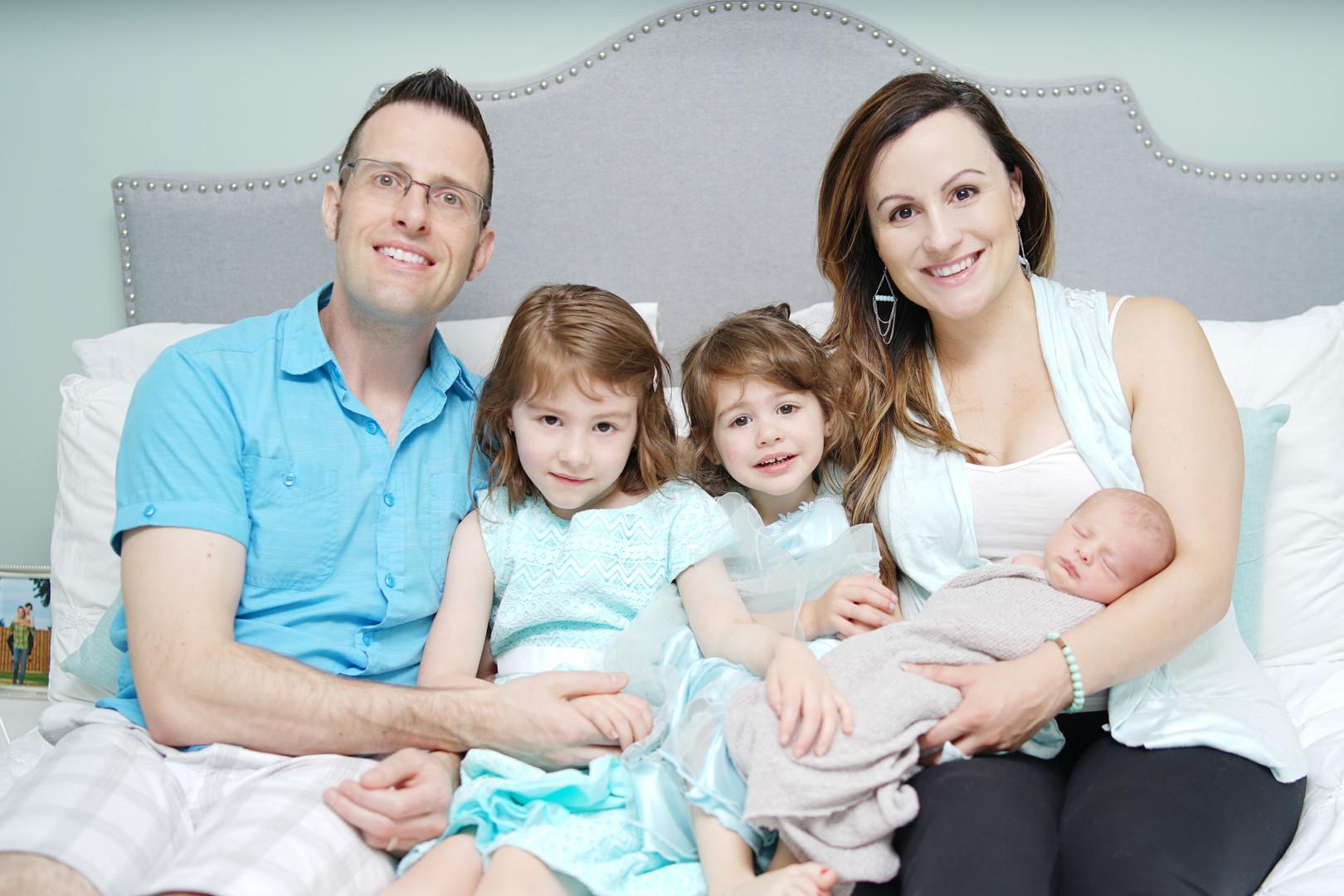 Newborn Family Photo Session