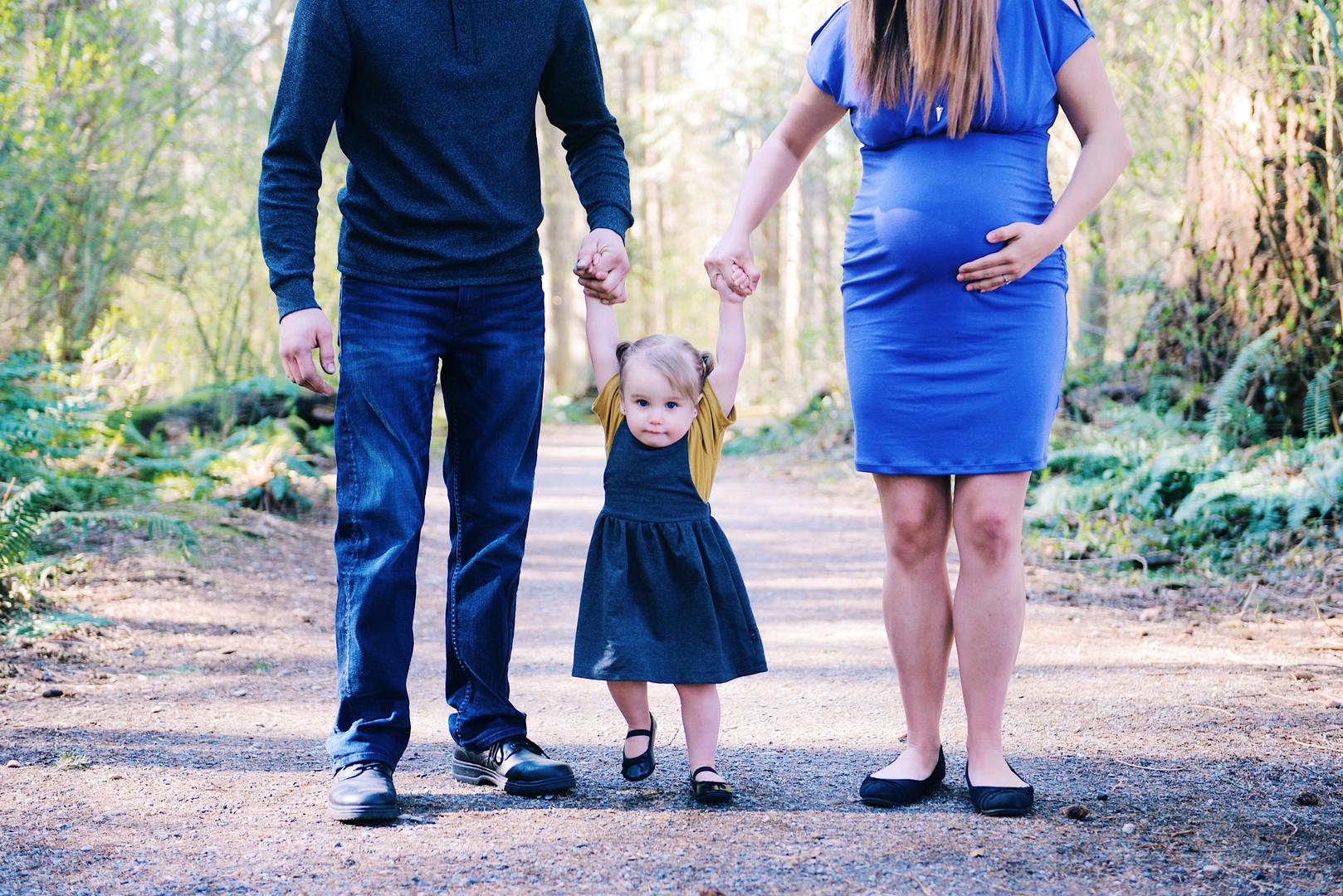 Big Sister Maternity Photo