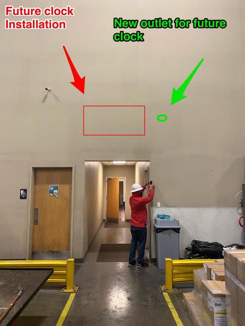 wall clock outlet.jpg