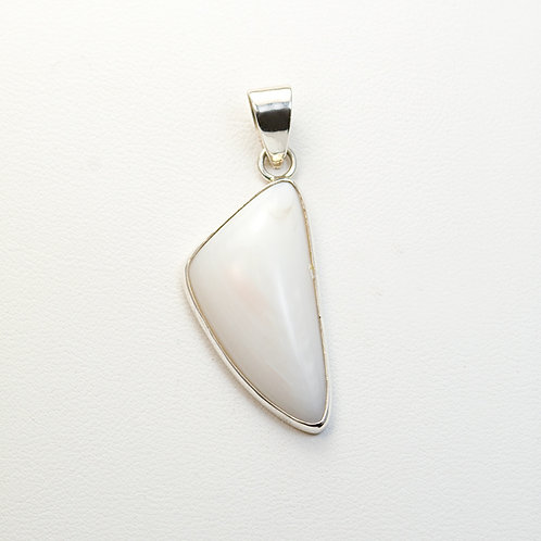 CD Sterling Mother of Pearl Pendant PE-0194