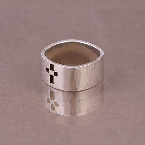 Carlos Diaz Sterling Hammered Ring RG-0079