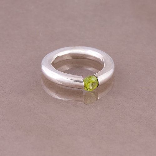 Carlos Diaz Sterling Peridot Ring RG-0043