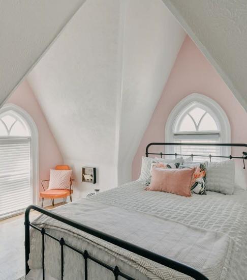 Pink Bedroom Queen Bed