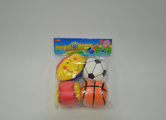 ארבע כדורי ספורט ספוג