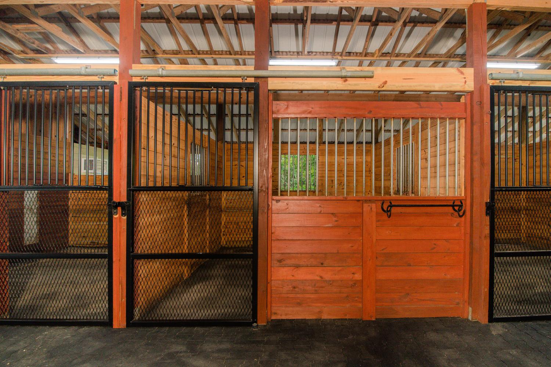 Barn 8 Exterior-ANP-013