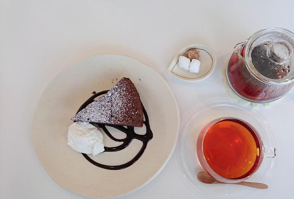 ガトーショコラと紅茶