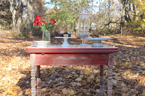 Rose Red Table