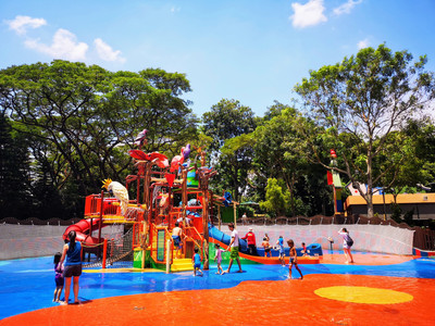 Children playing at Jurong Bird Singapore Park Water Park