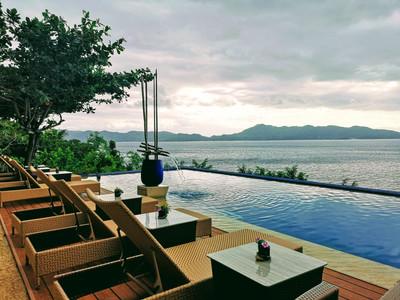 Vivere Azure View of Infinity Pool