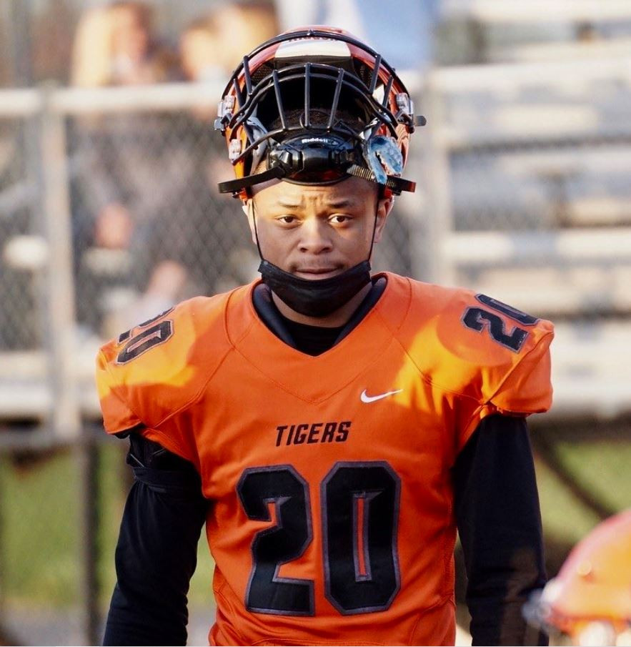 Class Of 2022 Wheaton Warrenville South DB Reece Young Conversation