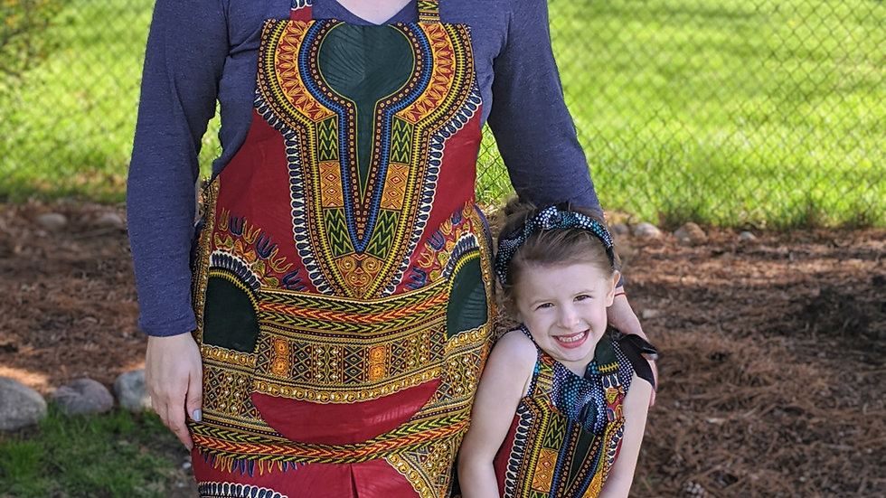 Mommy-and-Me Apron Set, Traditional (2 Pieces)