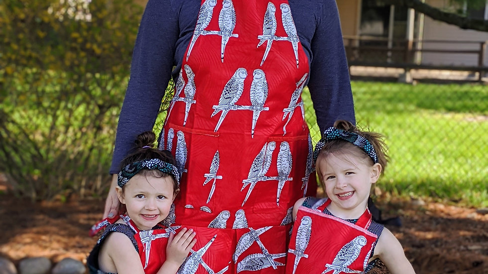 Mommy-and-Me Apron Set (3 Pieces)