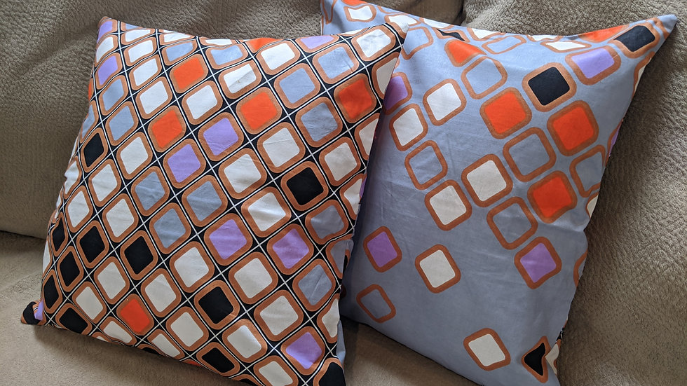 Square Pillows (Wax, Gray), 1 piece