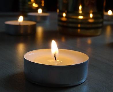 candle-2561788_1920_edited.jpg