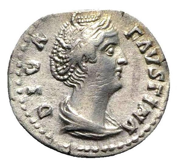 Moeda Romana escassa de Diva Faustina Senior (falecida em 140/1). AR Denarius