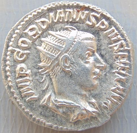 "Antoniniano de Gordiano III em estado MS (""estado de cunho""/""flor-de-cunho"")"