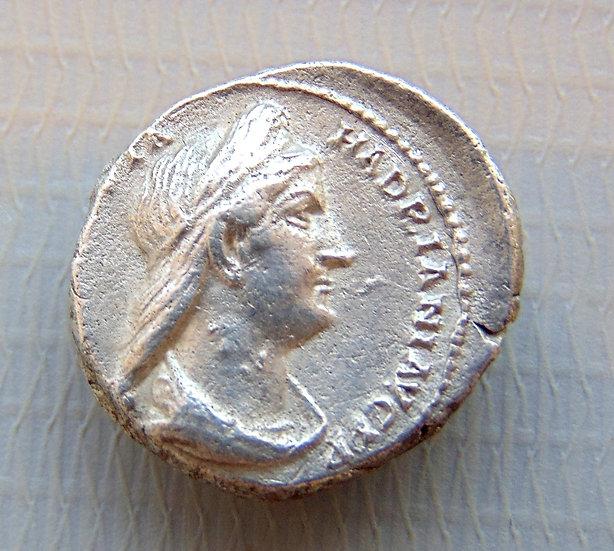 Moeda Romana Raro Denário de Sabina 128-136dC
